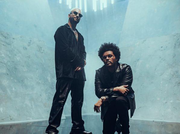 The Weeknd e Maluma em foto postada no Twitter (Reprodução)