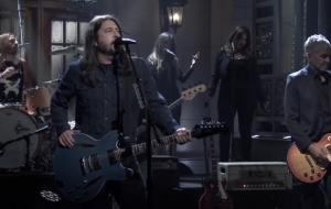 """Foo Fighters anuncia álbum novo e toca a inédita """"Shame, Shame""""; assista!"""