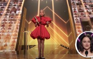 """'People's Choice Awards 2020': premiação tem JLo eleita """"Ícone do Ano"""" e anúncio de """"A Barraca do Beijo 3"""""""
