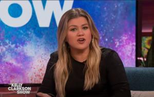 Membros da equipe de 'The Kelly Clarkson Show' testam positivo para COVID-19