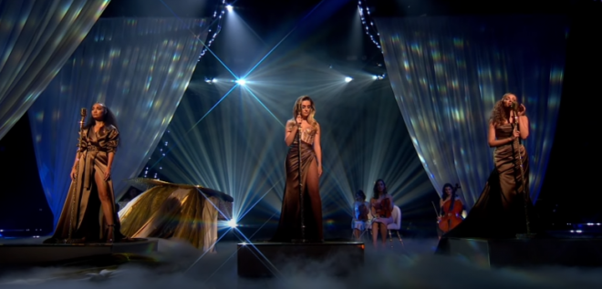 As meninas do Little Mix sabem bem como brilhar em uma apresentação (Reprodução)