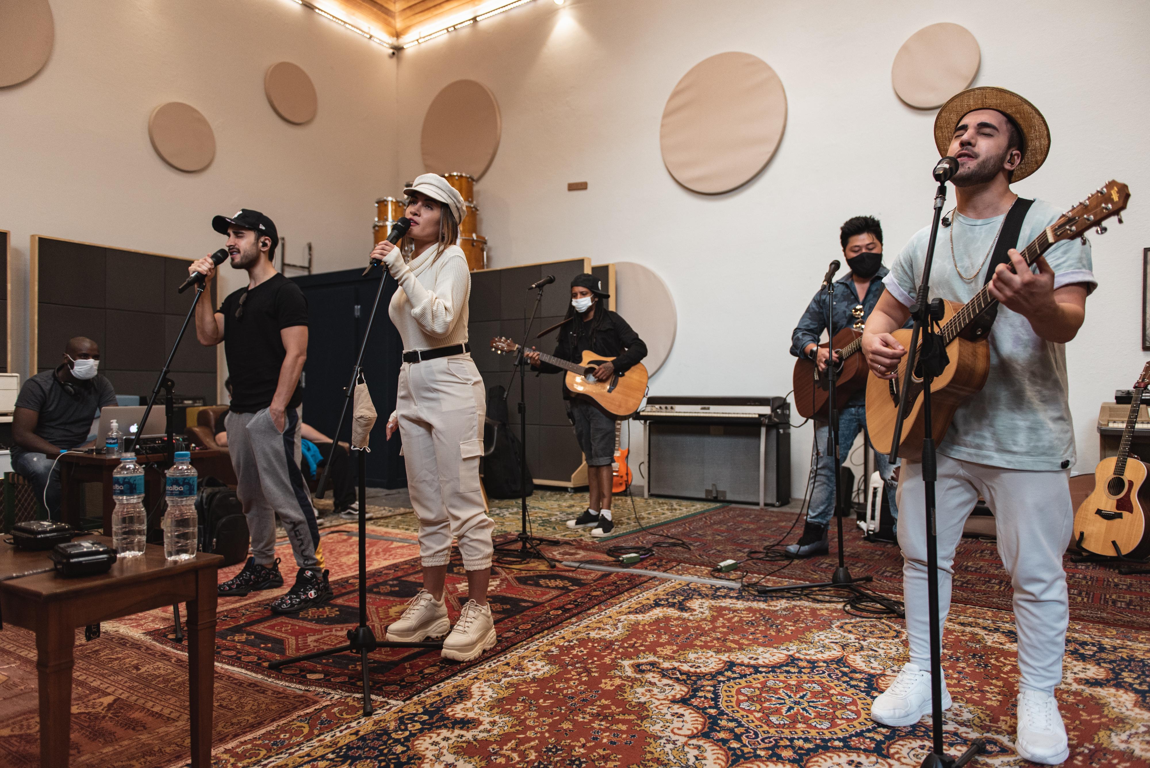 Melim em ensaio para apresentação no Grammy Latino (Divulgação/The Latin Recording Academy)