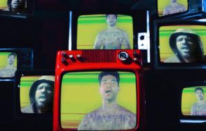 """Monkey Jhayam e Afrocidade se reúnem em som enérgico; assista ao clipe de """"2020 Volts"""""""