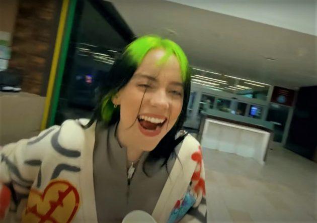 Billie Eilish lança novo single com direito a clipe gravado em shopping (Reprodução)