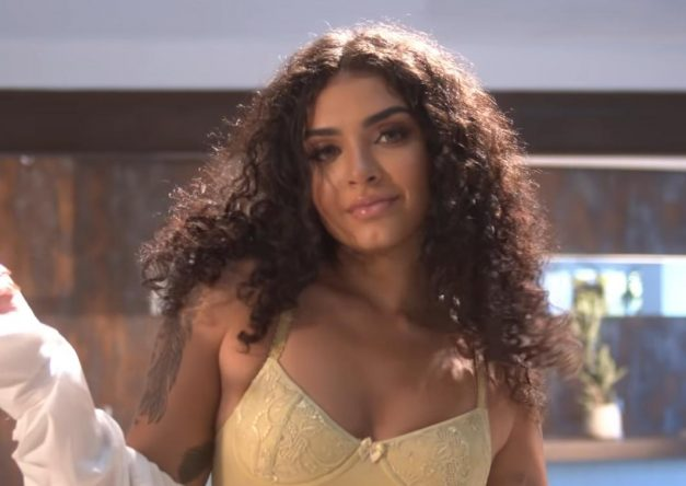 """Um dos maiores hit dela é """"Tudo no Sigilo"""", com Vytinho NG (Reprodução)"""