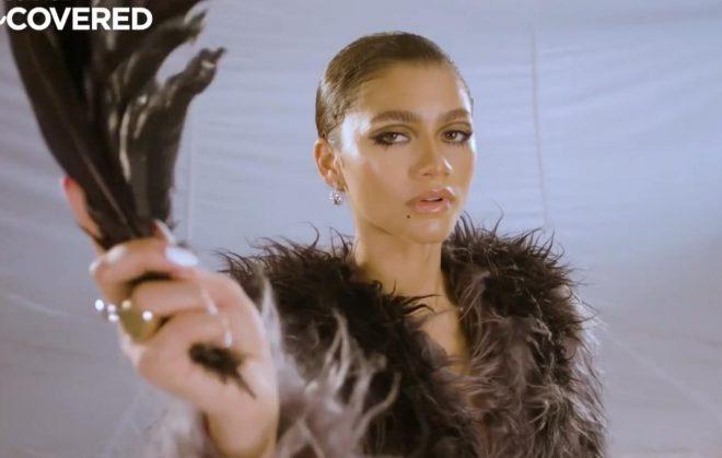 Zendaya em vídeo com bastidores da sessão de fotos (Reprodução)