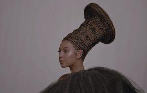 """""""Decidi me dar permissão para focar na minha alegria"""", diz Beyoncé em entrevista"""