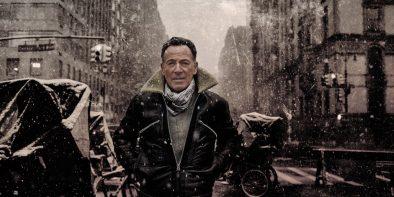 """Bruce Springsteen em imagem promocional de """"Letter To You"""" (Reprodução)"""