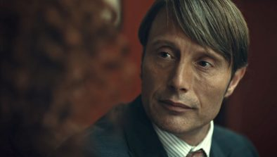 "Mads Mikkelsen em ""Hannibal"" (Reprodução)"