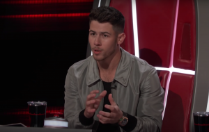 """""""The Voice USA"""": Nick Jonas retorna como técnico na 20ª temporada"""