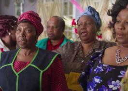"""""""Como Acabar com o Natal"""": casamento causa confusão em família; veja o trailer da série"""