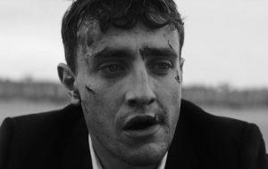 """""""Savior Complex"""": Paul Mescal está solitário em clipe de Phoebe Bridgers dirigido por Phoebe Waller-Bridge"""