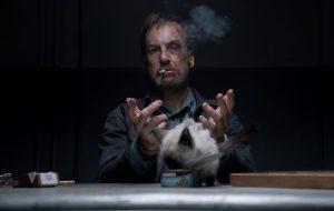 """Bob Odenkirk vive momentos de fúria em novo trailer explosivo de """"Anônimo"""""""