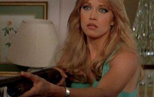 """Tanya Roberts, de """"007"""" e """"That '70s Show"""", morre um dia após assessor anunciar erroneamente a morte"""