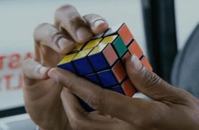 O brinquedo foi criado em 1974 por Erno Rubik (Reprodução)