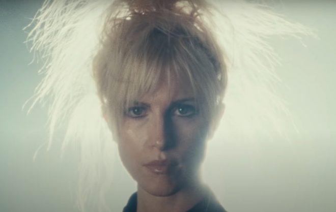 A cantora autorizou a liberação da faixa na internet (Reprodução)
