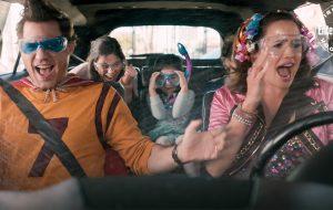 """Edgar Ramírez e Jennifer Garner se divertem em 1ª foto de """"Yes Day"""", novo filme da Netflix"""
