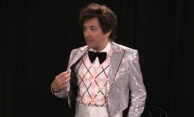 O clipe original de Harry Styles tem participação de Phoebe Waller-Bridge (Reprodução)