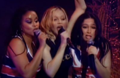 """Show reúne interpretações inéditas de """"What it Feels Like for a Girl"""" e """"Runaway Lover"""" (Foto: Reprodução)"""