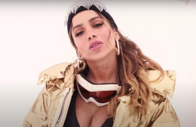 """""""Girl From Rio"""" sucederá o álbum """"Kisses"""", lançado em 2019 (Reprodução/YouTube)"""