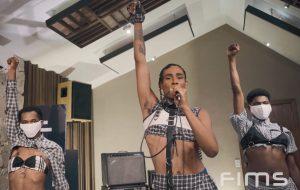 Siamese divulga vídeo de show poderoso feito para a Feira Internacional da Música do Sul