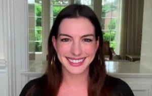 """Anne Hathaway diz que era a 9ª opção para interpretar Andrea em """"O Diabo Veste Prada"""""""