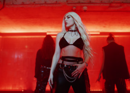 "Ava Max arrasa na coreografia no clipe de ""My Head & My Heart"""