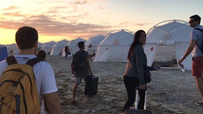 """O filme é dirigido por Chris Smith, de """"Fyre Festival: Fiasco no Caribe"""" (Netflix / Divulgação)"""