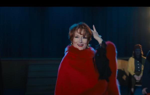 """Meryl Streep em """"A Festa de Formatura"""" (Foto: Reprodução / Youtube)"""