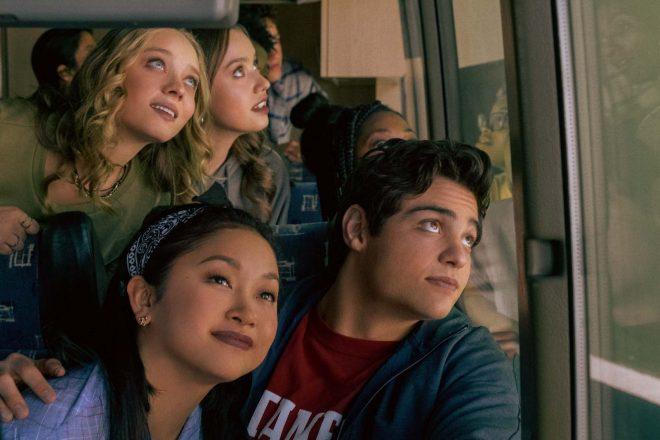 O último filme da trilogia estreou ontem (13) na Netflix (Katie Yu / Netflix / Divulgação)
