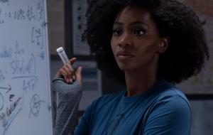 """Teyonah Parris, de """"WandaVision"""", fala sobre a importância de sua personagem para a comunidade negra"""