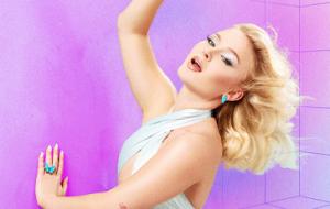 """Zara Larsson cantará músicas de """"Poster Girl"""" em show comemorativo ao Dia Internacional da Mulher"""