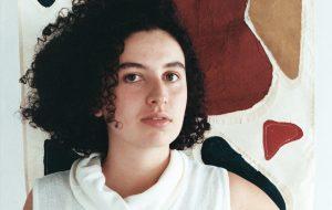 """Dora Morelenbaum entrelaça emoções e hemisférios em """"Japão"""", novo single"""