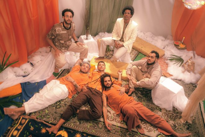 """""""Deixa Fluir"""" é o primeiro passo de uma nova fase da banda (Foto: Lilo Oliveira)"""