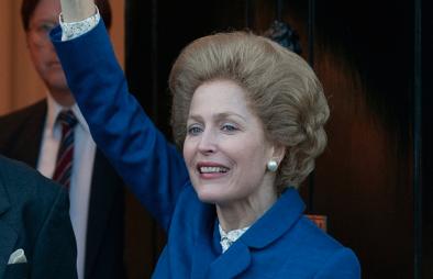 "Gillian Anderson interpreta Margaret Thatcher em ""The Crown"""