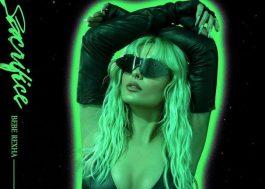 Bebe Rexha revela título e capa do novo single, que chega nesta sexta-feira (5)
