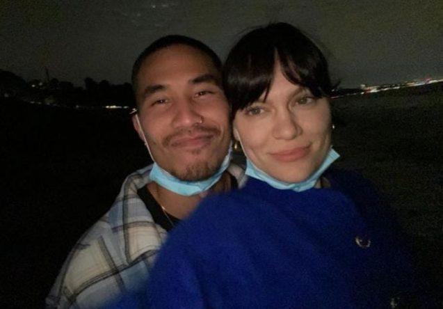 Fotos do casal em um encontro já tinham sido divulgadas na internet (Reprodução)