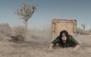 "Cristin Milioti protagoniza fuga alucinada no trailer de ""Made For Love"", comédia sci-fi do HBO Max"