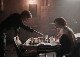 """""""O Gambito da Rainha"""" será adaptado como musical para o teatro"""