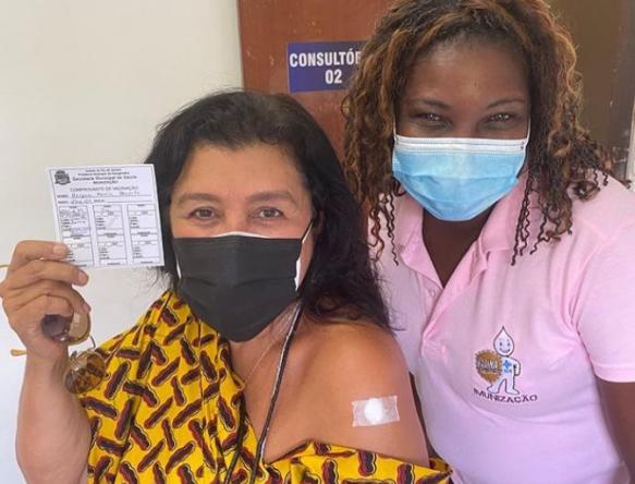 A atriz foi vacinada com o imunizante Coronavac (Reprodução / Instagram)