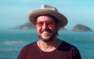 Entrevista: Suricato fala sobre single com Vitor Kley, produtividade na quarentena e mais