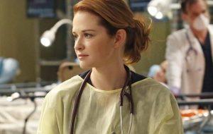 """""""Grey's Anatomy"""": Sarah Drew fará participação especial na 17ª temporada"""