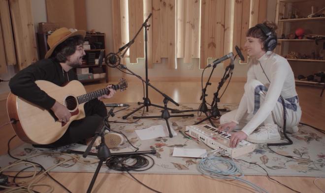 Vídeo foi gravado no estúdio da cantora, em Lisboa (Reprodução)