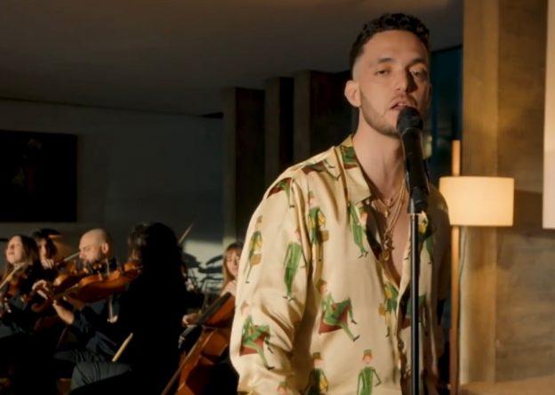 """Disco """"El Madrileño"""" chegou ao streaming em fevereiro (Foto: Reprodução/YouTube)"""
