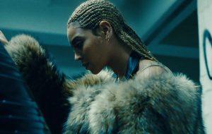"""""""Lemonade"""": há cinco anos, Beyoncé lançava álbum mais impactante da carreira"""