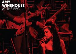 """Apresentações ao vivo de Amy Winehouse são resgatadas na coletânea """"At the BBC"""""""