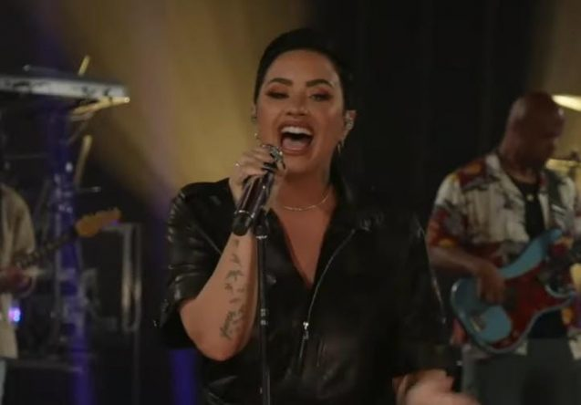A música faz parte do novo álbum da cantora (Reprodução)