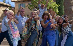 """Amanda Seyfried fala sobre possibilidades de terceiro filme de """"Mamma Mia!"""""""