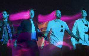 """Coldplay anuncia lançamento do single """"Higher Power"""""""