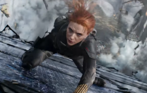 """Novo trailer de """"Viúva Negra"""" explode na ação e relembra passado da heroína"""